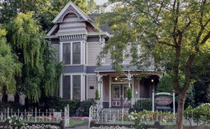 Hennessey House Bed and Breakfast