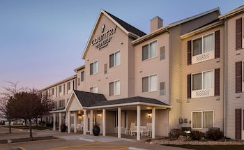 Country Inn & Suites by Radisson, Bloomington-Normal Airport, IL