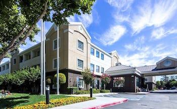 Country Inn & Suites by Radisson, San Jose International Airport, CA