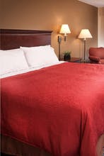 Country Inn & Suites by Radisson, Milwaukee West (Brookfield), WI