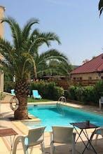Adonis Arc Hotel