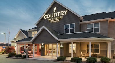 Country Inn & Suites by Radisson, Platteville, WI