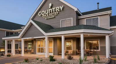 Country Inn & Suites by Radisson, Chippewa Falls, WI