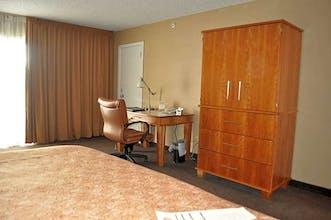 Mirabeau Park Hotel & Convention Center