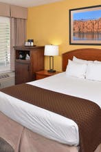 Red Lion Inn & Suites Phoenix Tempe