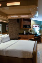 The Champagne Lodge & Luxury Suites