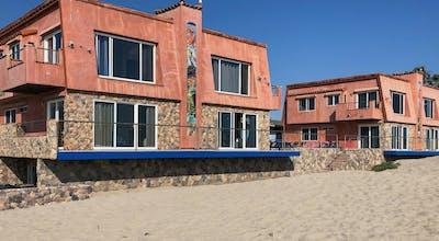 The Shores Inn & Beach Houses