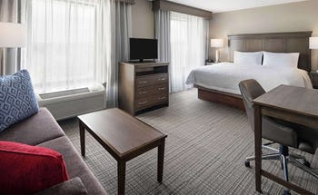Hampton Inn & Suites Alexandria Old Town Area Hotel