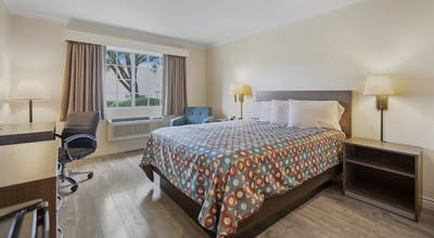 SureStay Hotel by Best Western Fontana