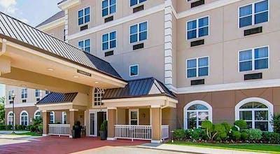 Quality Inn & Suites I-35 E / Walnut Hill