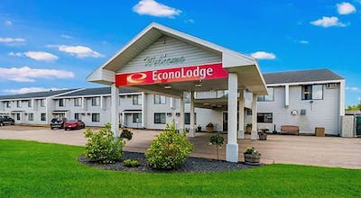 Econo Lodge Near Miller Hill Mall