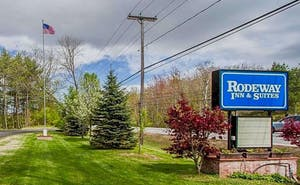 Rodeway Inn & Suites Brunswick near Hwy 1