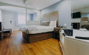 Scottish Inn & Suites - Kemah Boardwalk