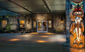 Coast Inn at Lake Hood