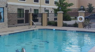 Holiday Inn Express Hotel & Suites San Antonio NW Seaworld