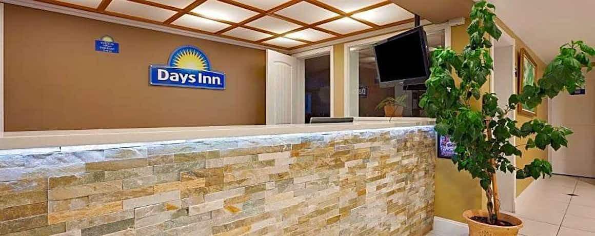 Days Inn by Wyndham Lakewood South Tacoma