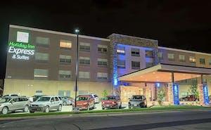 Holiday Inn Express & Suites Dayton Southwest