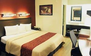 Red Roof Inn & Suites Columbus - West Broad