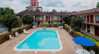Red Roof Inn & Suites Spartanburg – I-85