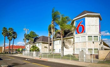 Motel 6 Riverside, CA - South