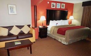Red Roof Inn & Suites Detroit-Melvindale/ Dearborn