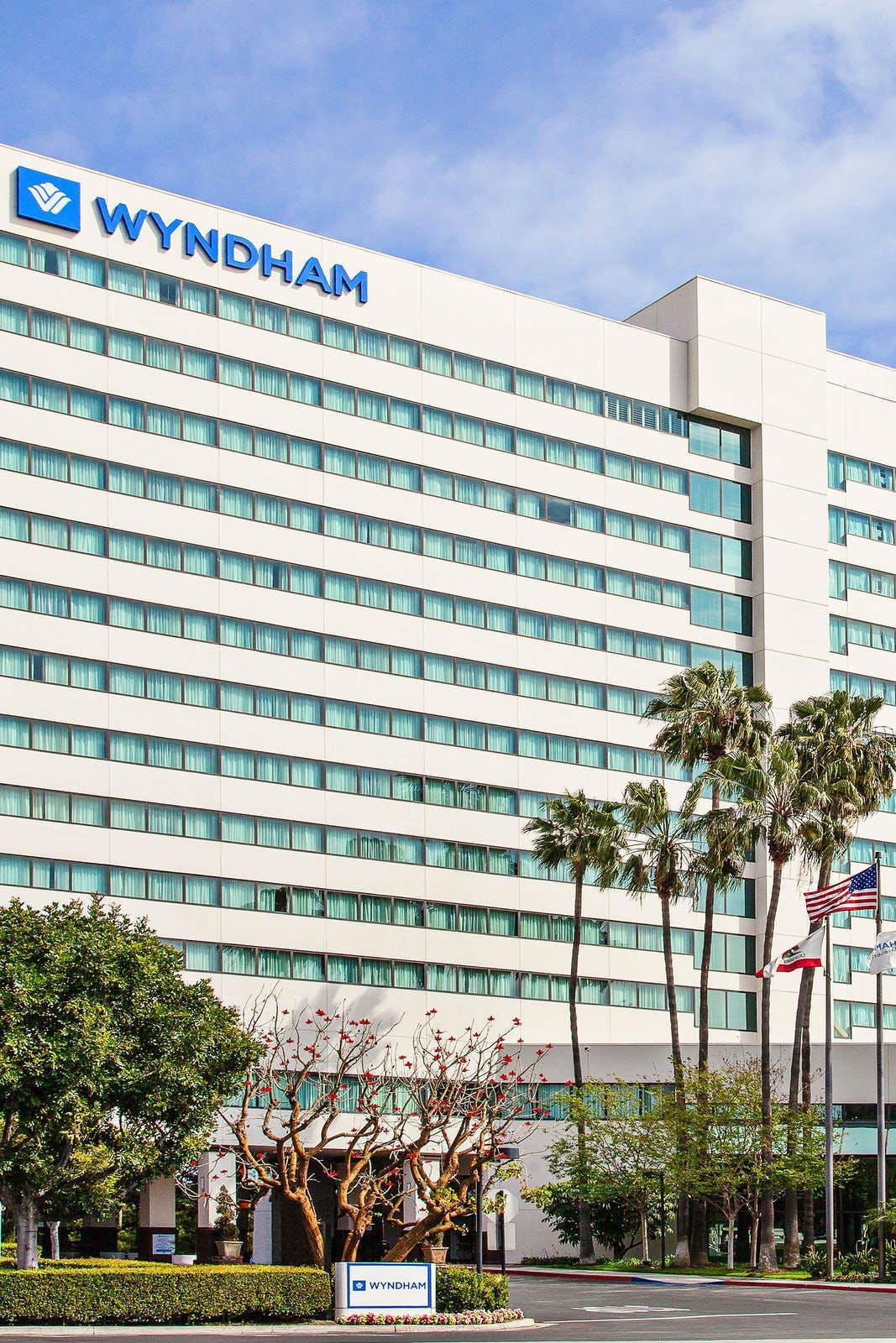 Wyndham Irvine Orange County Airport