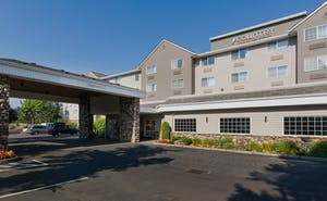 The Country Inn & Suites by Radisson Portland Airport