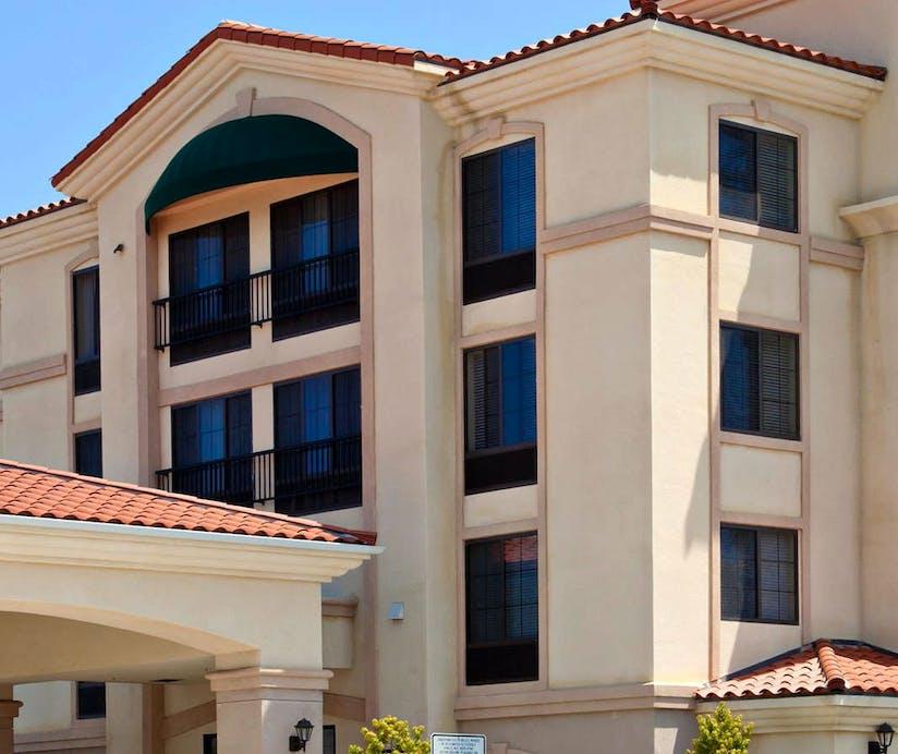 La Quinta Inn Suites Ne Long Beach Cypress