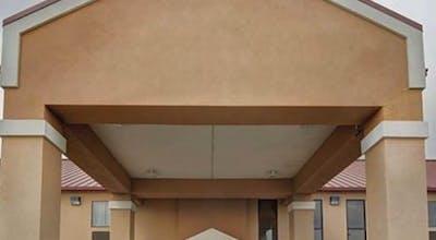 Quality Inn & Suites Pine Bluff