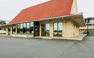 OYO Hotel St. Louis Lambert Airport