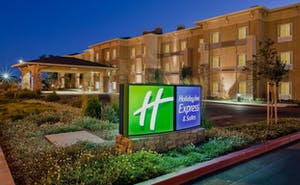 Holiday Inn Express Hotel & Suites American Canyon