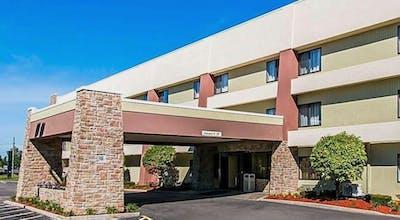 Quality Inn & Suites Warren - Detroit