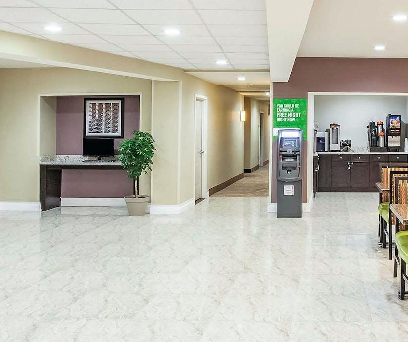 La Quinta Inn And Suites Far Rockaway Beach Hotel New
