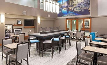 Hampton Inn And Suites Tulare
