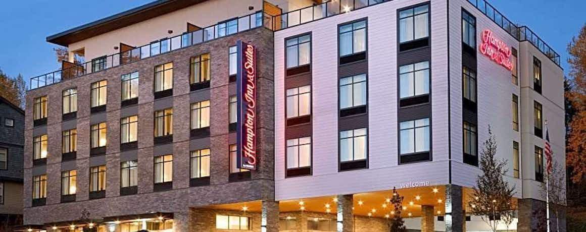 Hampton Inn and Suites Seattle/Renton