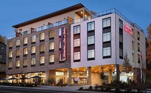 Hampton Inn and Suites Seattle/Renton