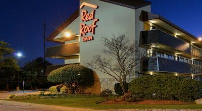 Red Roof PLUS+ Chicago - Northbrook/ Deerfield