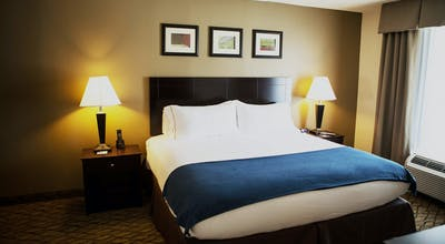 Holiday Inn Express Hotel & Suites Milford