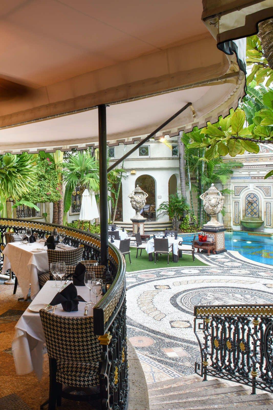 The Villa Casa Casuarina - Former Versace Mansion