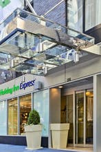 Holiday Inn Express Wall Street