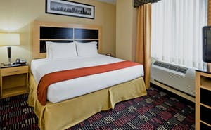 Holiday Inn Express Wall Street