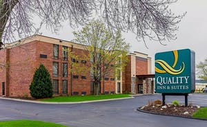 Quality Inn & Suites Arden Hills - Saint Paul North