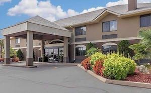 Comfort Inn & Suites - near Robins Air Force Base Main Gate
