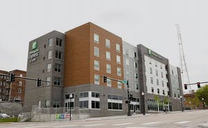 Holiday Inn Express And Suites Omaha Downtown - Airport, an IHG Hotel