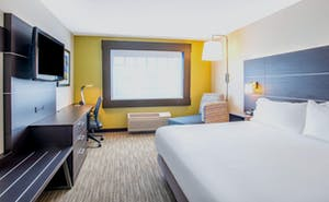 Holiday Inn Express Hotel & Suites Marlboro