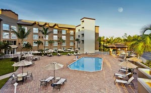Holiday Inn Express Hotel & Suites Naples Downtown
