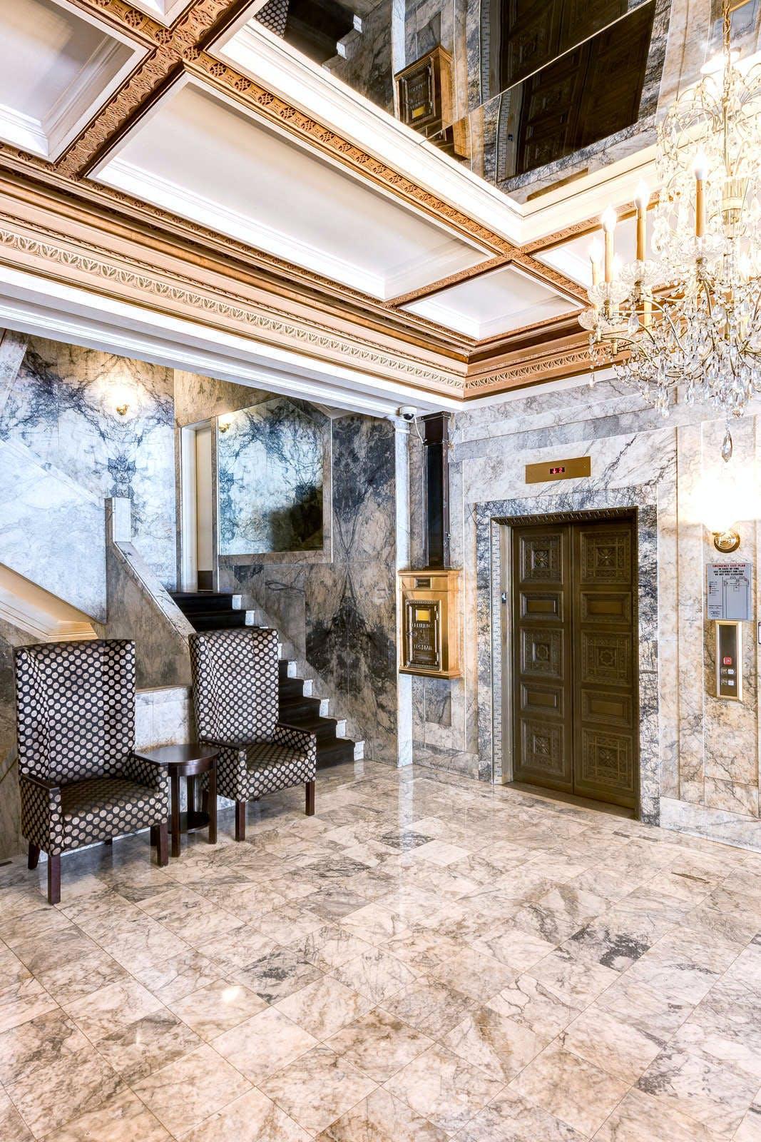 Gaslamp Plaza Suites