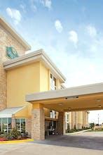 La Quinta by Wyndham Dallas I-35 Walnut Hill Ln