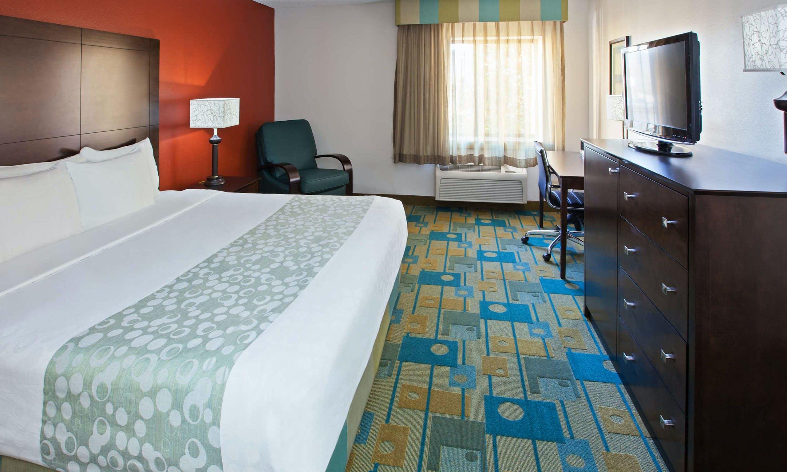 last minute hotel deals nashville airport