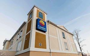 Comfort Inn & Suites Near Pocono Mountains